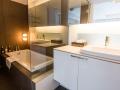 J-Sekka Suites Bathroom