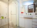 Toshokan 2 Bathroom